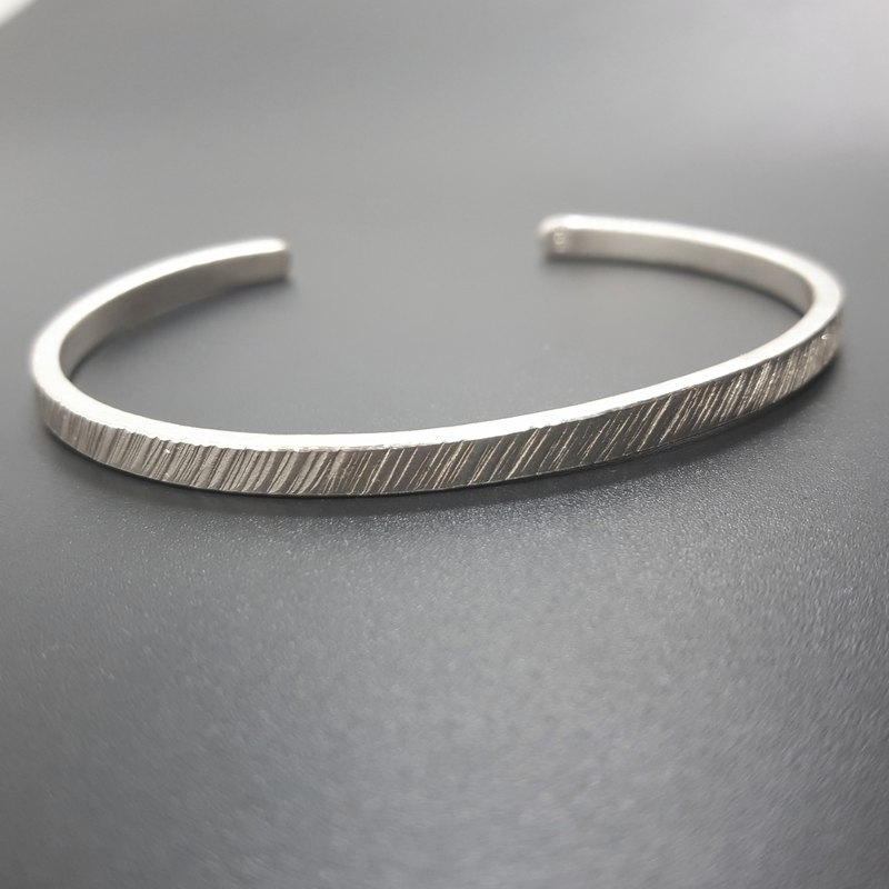 V6 - can not do the same silver bracelet - twill 999 sterling silver bracelet - royal smith