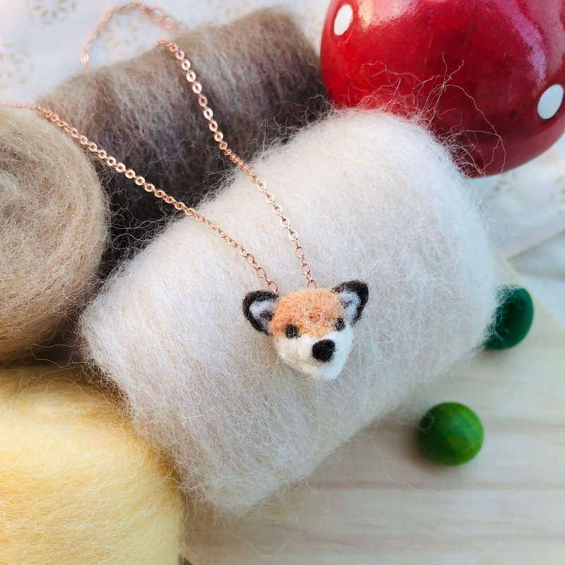 wool felt little fox necklace