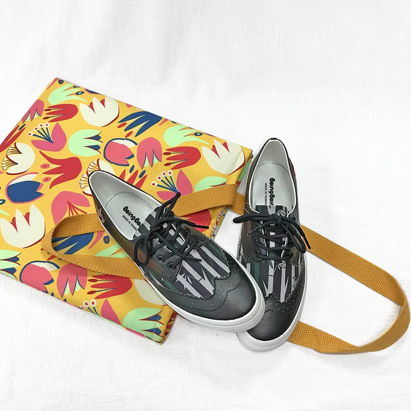 Goody Bag Anniversary Blessing Bag / Xitou Bamboo Forest Oxford Shoes (Black) + Flower Shoulder Bag