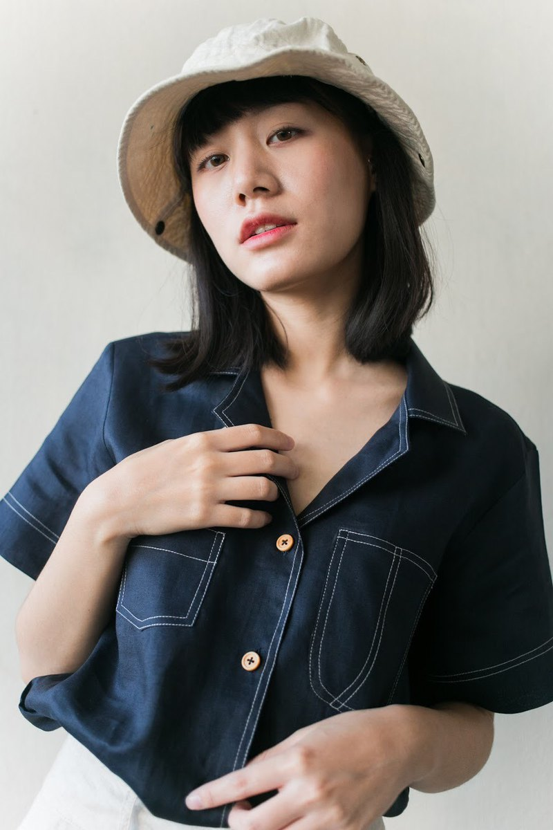 New Foak Linen Shirt in Navy