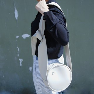 Circle crossbody bag tie strap White colour