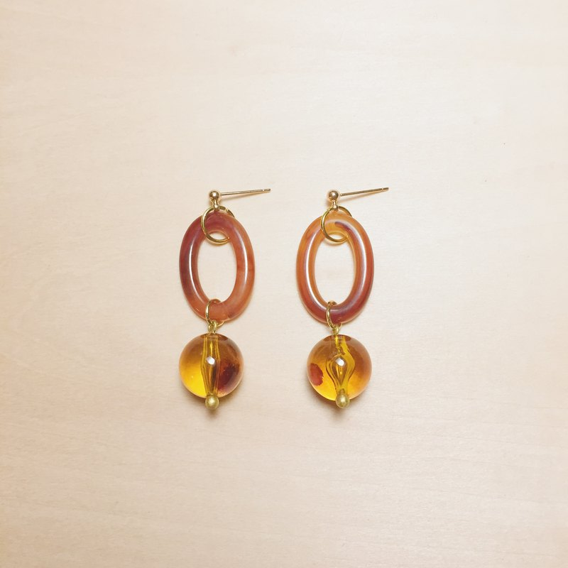 Vintage amber oval long earrings