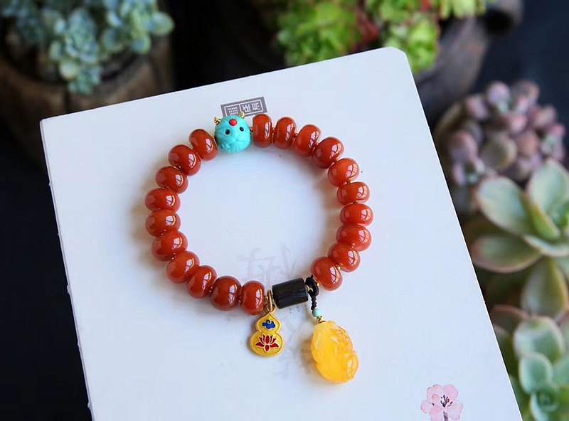 Pure natural Sichuan material South red agate hand chrysanthemum color ruddy without optimization embellishment beeswax turquoise to start super beautiful