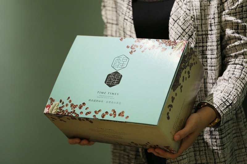 【Coffee Shanghai Gift Box】 Spring Sweet Honey x 10, my blueberry fragrant x 10, aroma republic x 20, Shangri-La Cocoa x 20