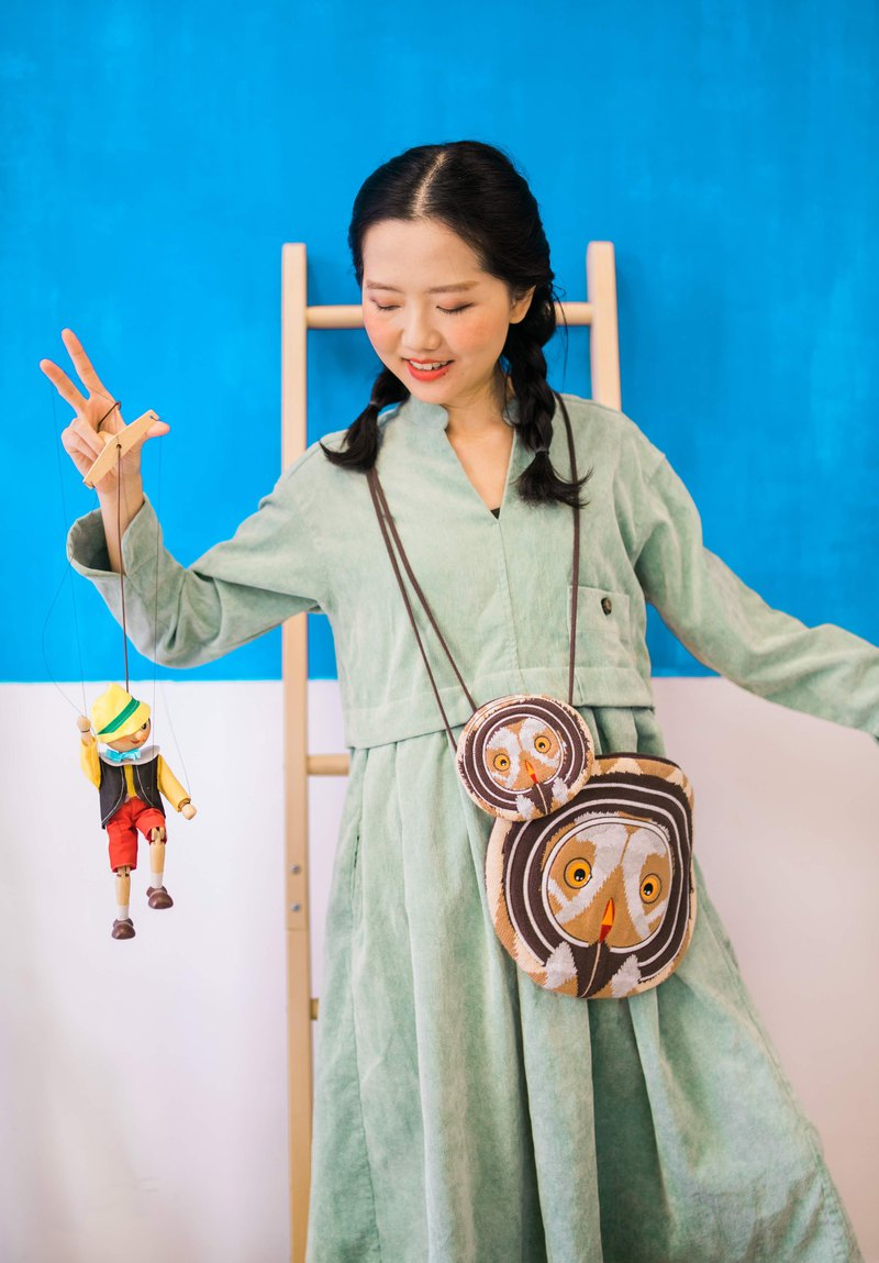 owl knit coins cross body bag