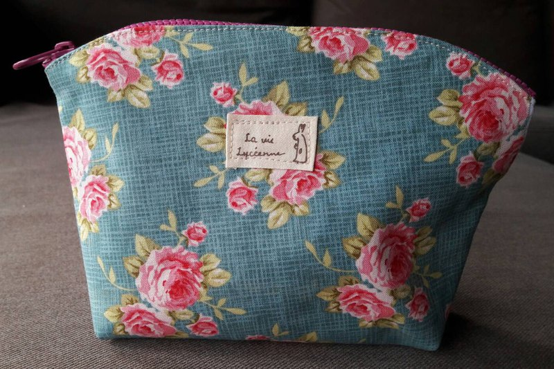Floral cloth zipper storage bag / pencil bag / sundries bag (green rose)