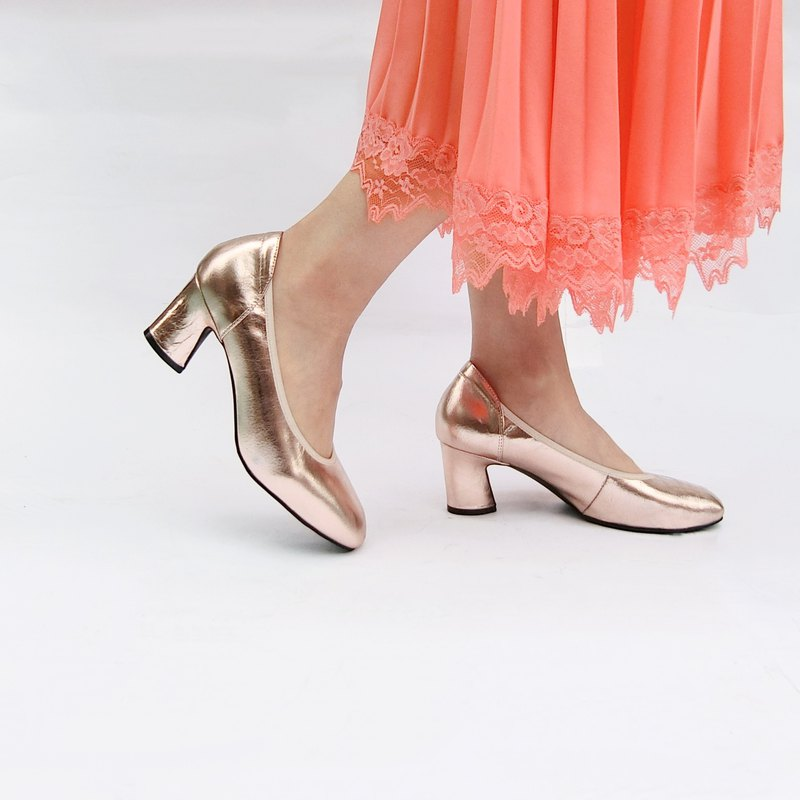 Metal light leather heel shoes||Champagne woman's private champagne powder|| 8175