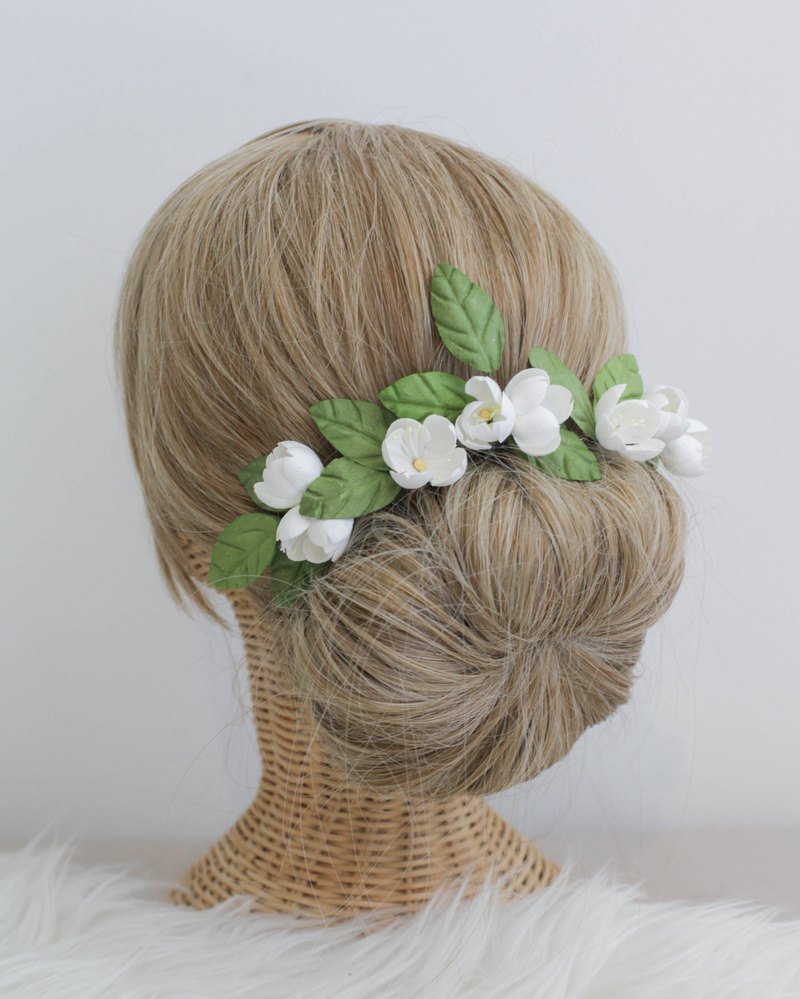White Sakura Handmade Paper Flower Hair Pin