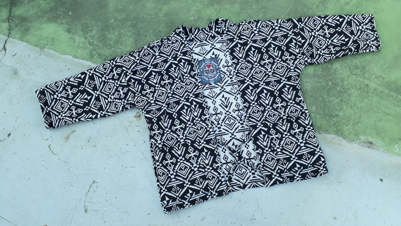 AMIN'S SHINY WORLD Handmade ethnic style black and white symbol KIMONO Roll UP series