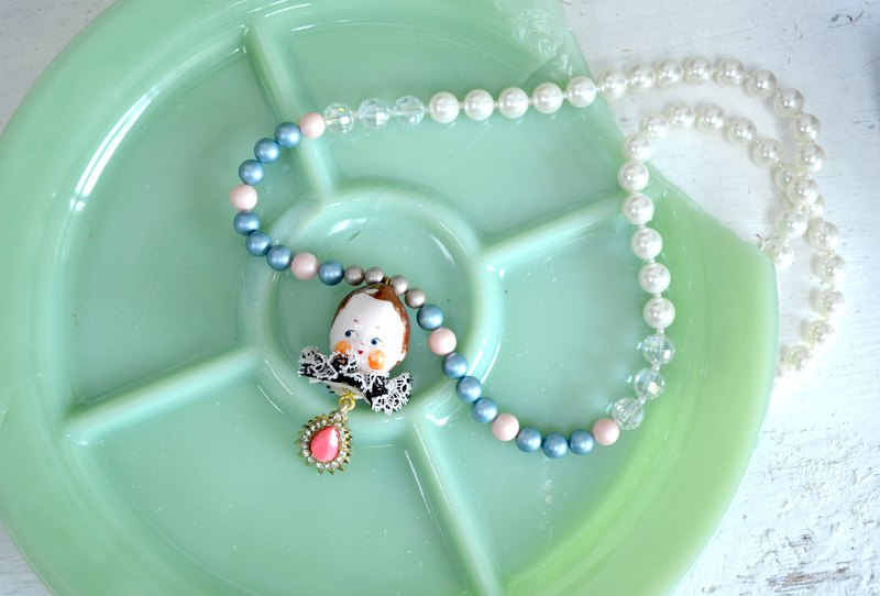 Little baby doll shell pearl necklace