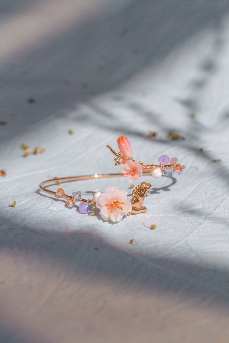 BLOSSOM Garden Rose-gold Plated Bangle