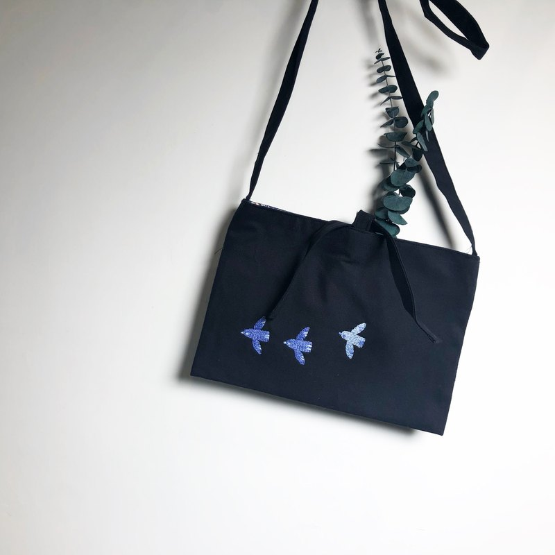 Embroidery birds sling bag
