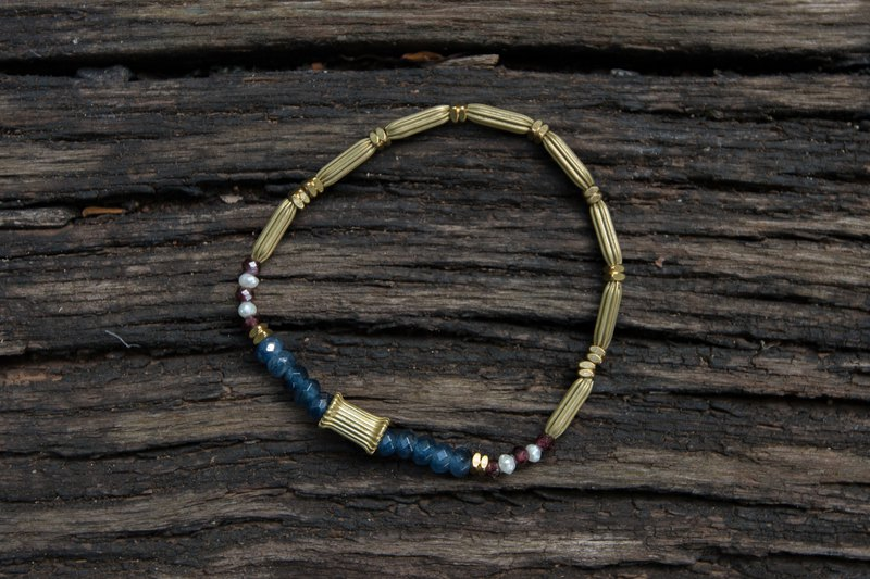 Birthstone of January ∣ Garnet Blue Chalcedony Pearl Amulet Bracelet