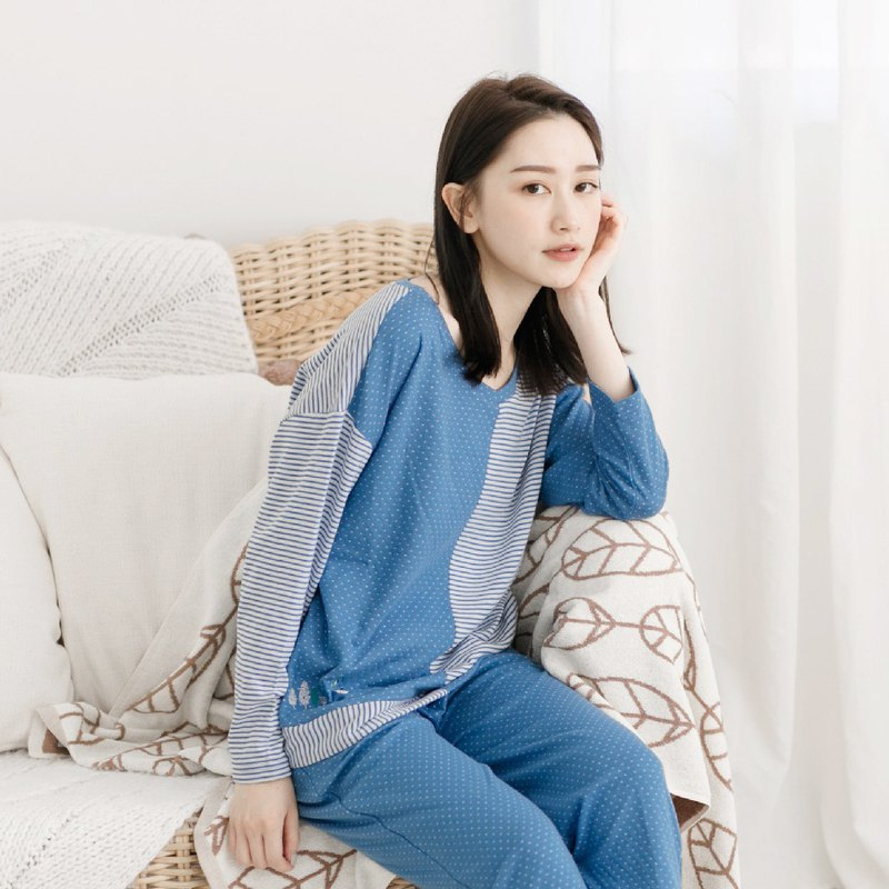 Beauty Skin Collagen Wavelet & Stripe Stitch Embroidered Homewear | Pajamas Homewear - Blue
