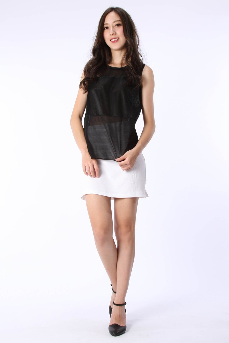 Cross stitching reflective sleeveless suction