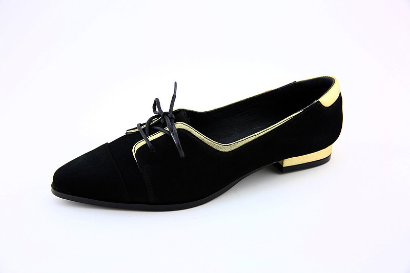 Pointed Oxford ladies shoes