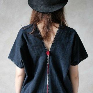 Limited mountain tribe hand-woven ancient cloth hand-embroidered V-neck loose cotton dress short-sleeved plain dress