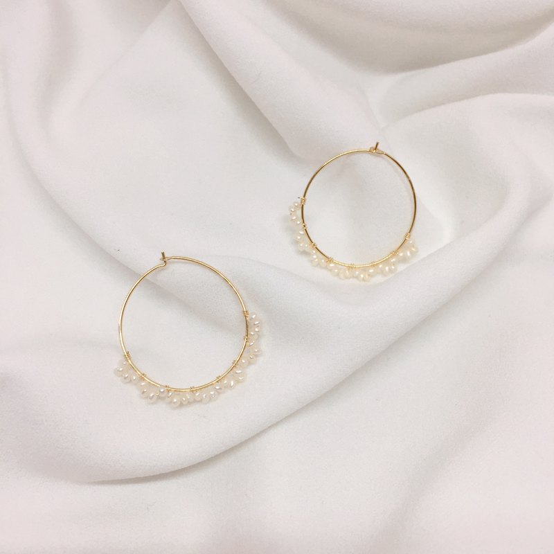 Bubbles from the Sea - Freshwater Pearl Hand-knitted Small Hoop Earrings