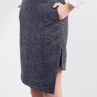 ASYMETRICAL WINTER SKIRT
