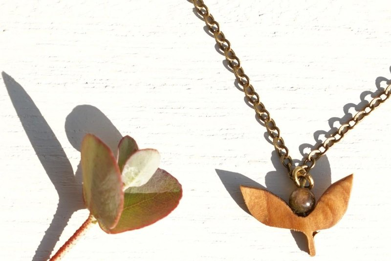 young leaf necklace