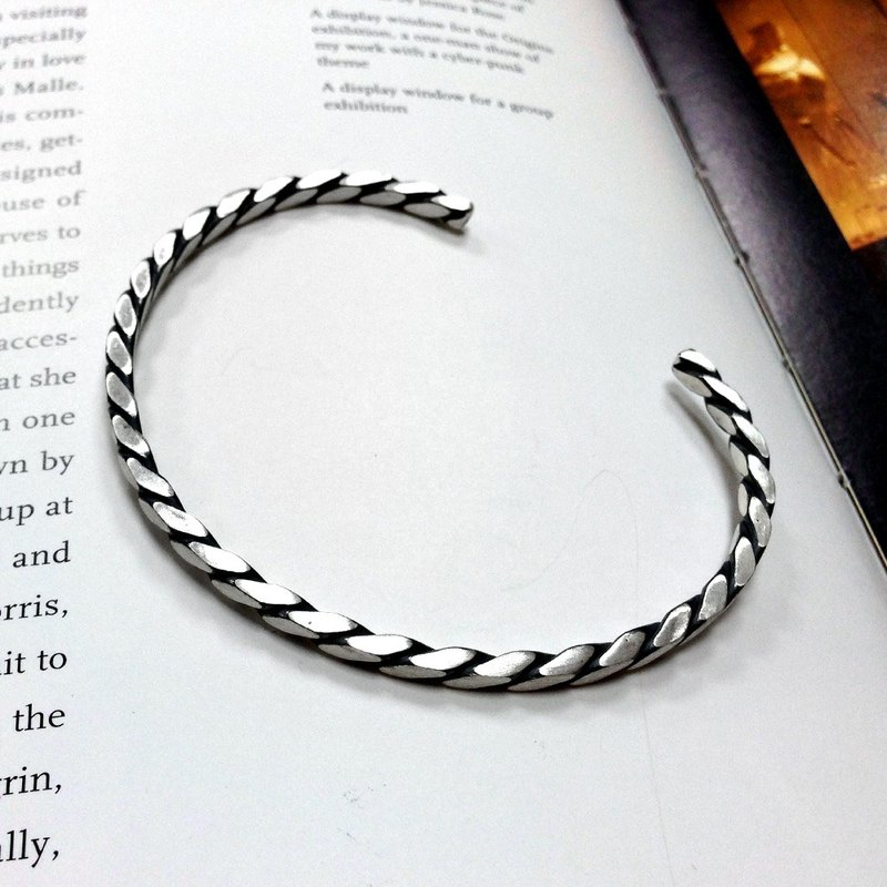 Bracelet/Bangle Bangle - Black Twist Bracelet Silver Bracelet - 64DESIGN
