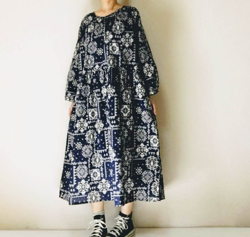 Stationery Paisley Pattern Long Sleeve Raglan One Piece Dress Dark Navy Cotton