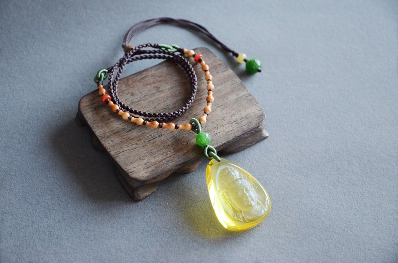 [Guanyin Buddha] Amber natural amber Guanyin like traditional classical necklace