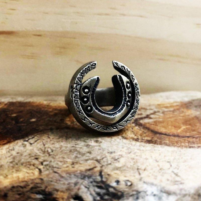 能神系列-【奧丁馬蹄盾】(925純銀戒指)幸運馬蹄鐵/盧恩文字/盾牌