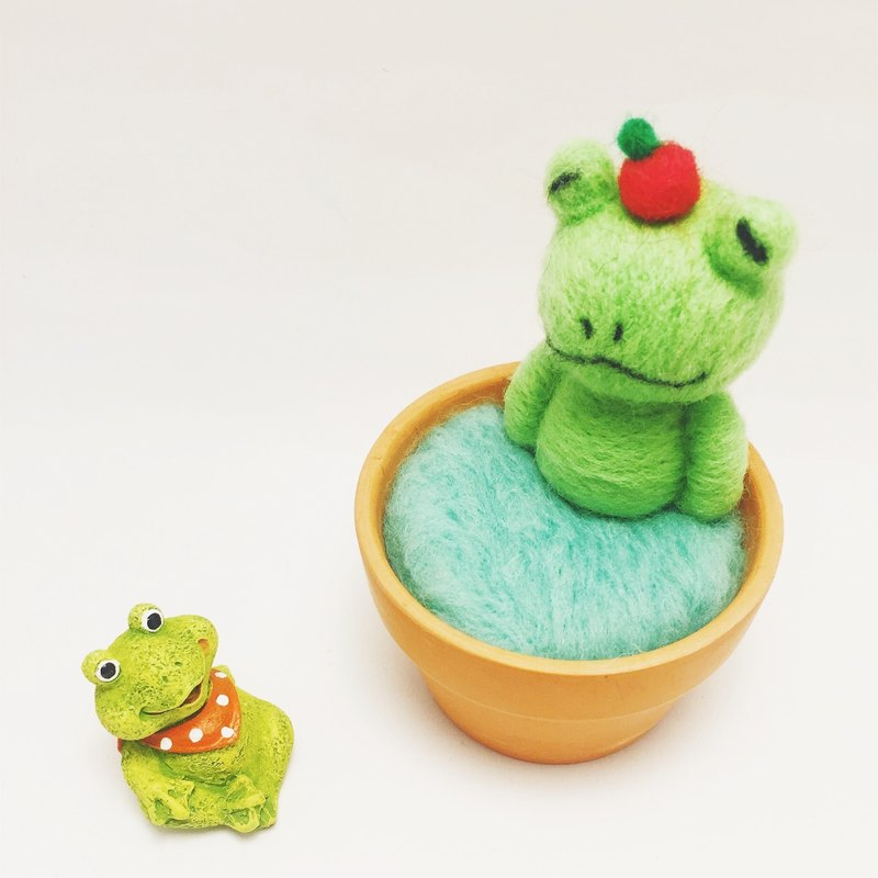 [Warm Soup Pottery] Wool Felt Animal Soup Pot - Apple Frog
