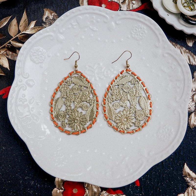 Exaggerated golden water drops orange edge antique earrings BOA024