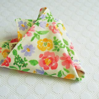 Lovely [Japan double yarn] pink yellow flower handkerchief, hand towel, saliva towel [beige bottom]