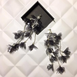 earrings : RAYA