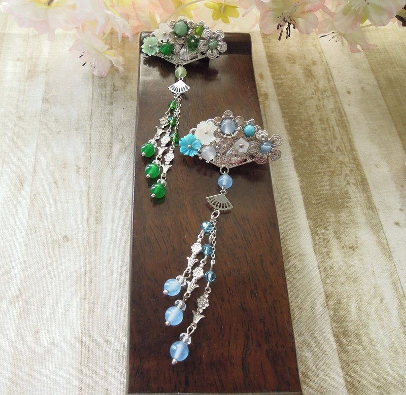 """Yun Yun Ge - Kam makeup"" blue version of the classic temperament Chinese style hair clips"
