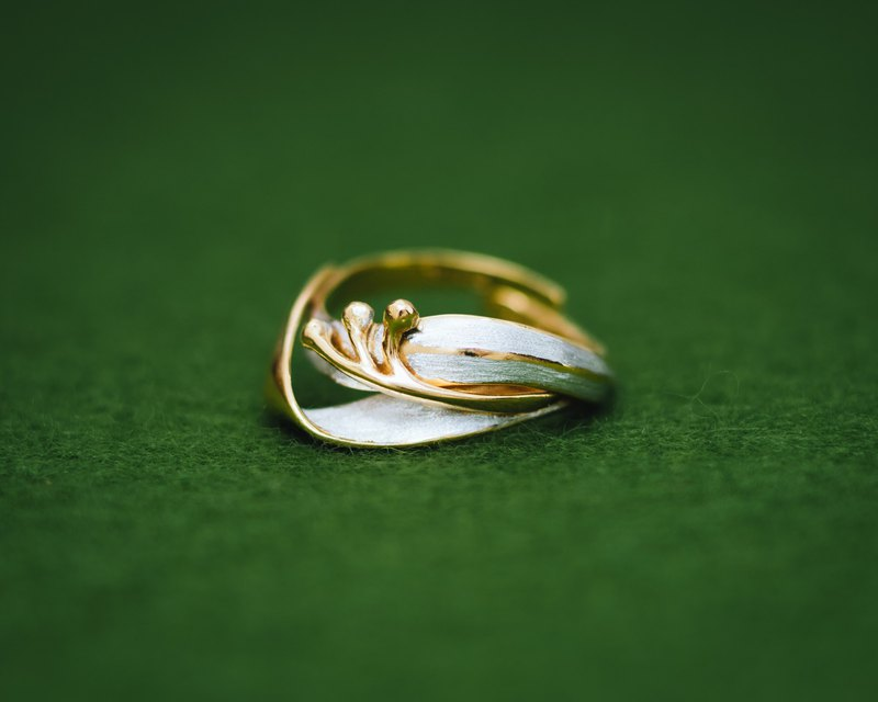 Classic Leaf and buds - Adjustable ring - Japanese design - Gold and silver ring