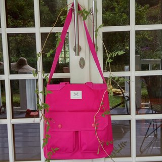 LaPoche Secrete: Wen Qing Gift_Pink Red Waterproof Canvas Bag_Shoulderback