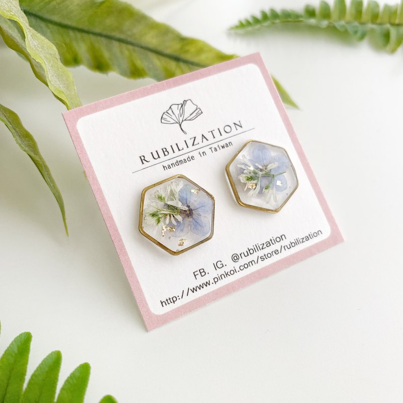 Glass hexagonal resin real flower earrings
