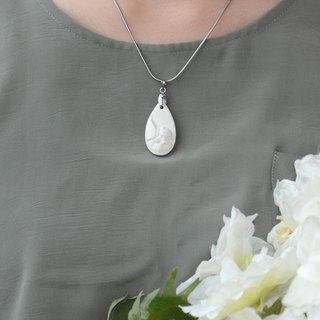 Holy Hearts Seeds | Snow White Porcelain Necklace Passing Love