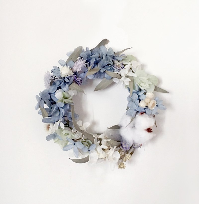 | Coastal Blue | Dry flowers. Not withered. Hydrangea wreath
