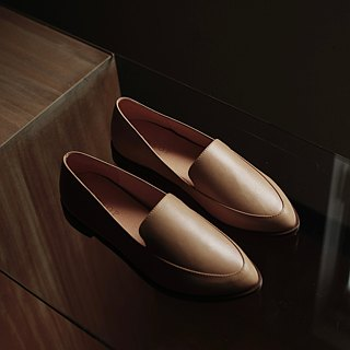 Pointy-toe Loafers | Tan