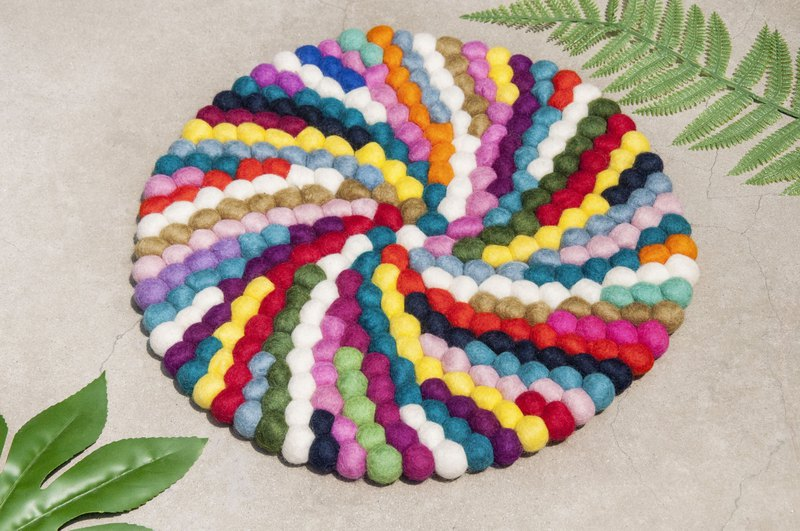 Wool felt cushion wool felt carpet wool felt ball mat wool felt cushion - rotating rainbow dot ball