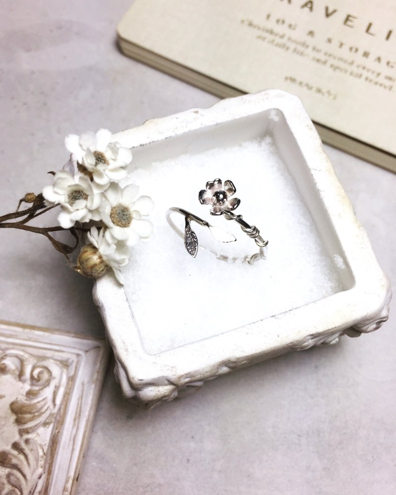 MIH Metalwork Jewelry | Give you a flower sterling silver ring bring you a flower sterling silver ring