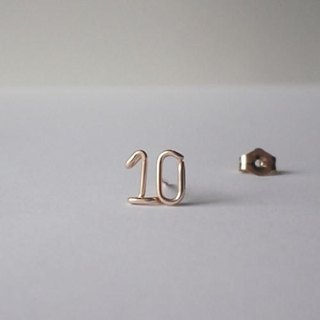 Small number (number) 2 digit stud earrings