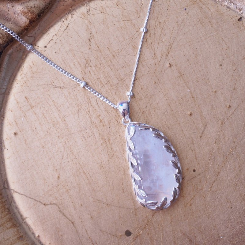 Special Shape Natural Moonstone Unique Handmade Striped Sterling Silver Pendant with Silver Chain