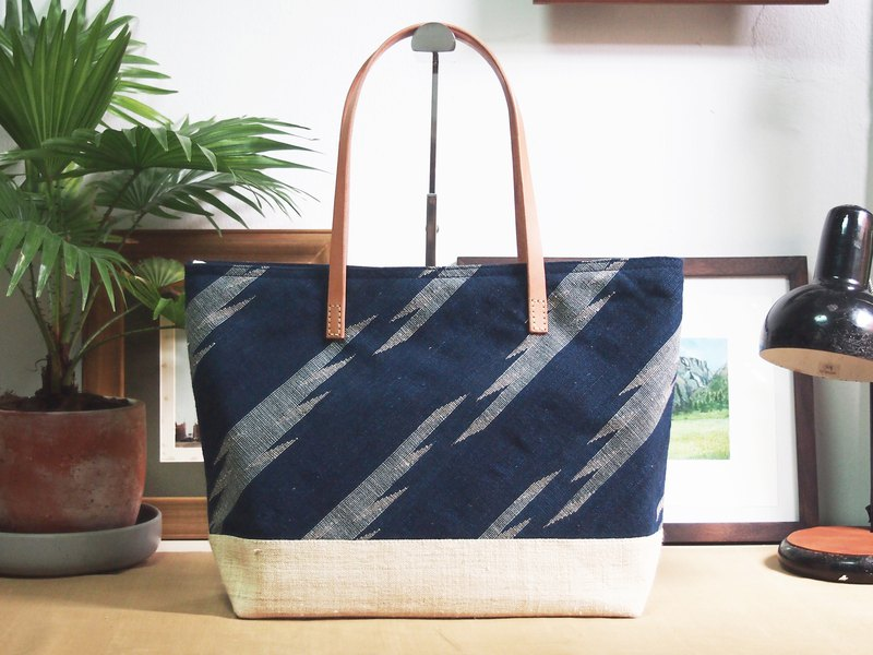 Large Indigo Dye Tote Bag : Lightning Pattern