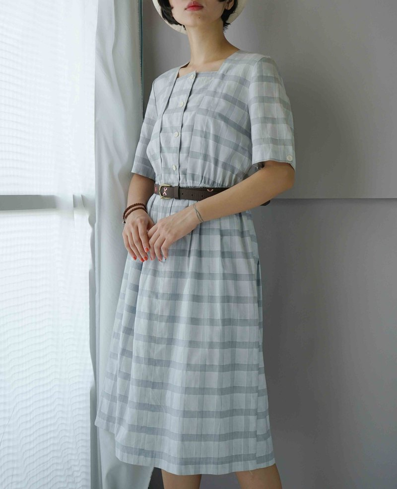 Treasure Hunting Vintage - European Country Picnic Style Gray White Square Collar Antique Dress