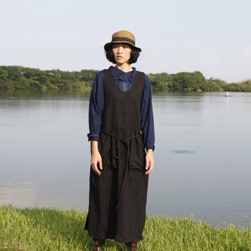 And - Revolutionary - Wool Front Pocket Strap Vest Skirt