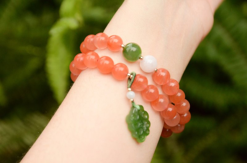[New Makeup] Natural South Red Agate Cherry Red Jasper White Jade Classic Literature Bracelet