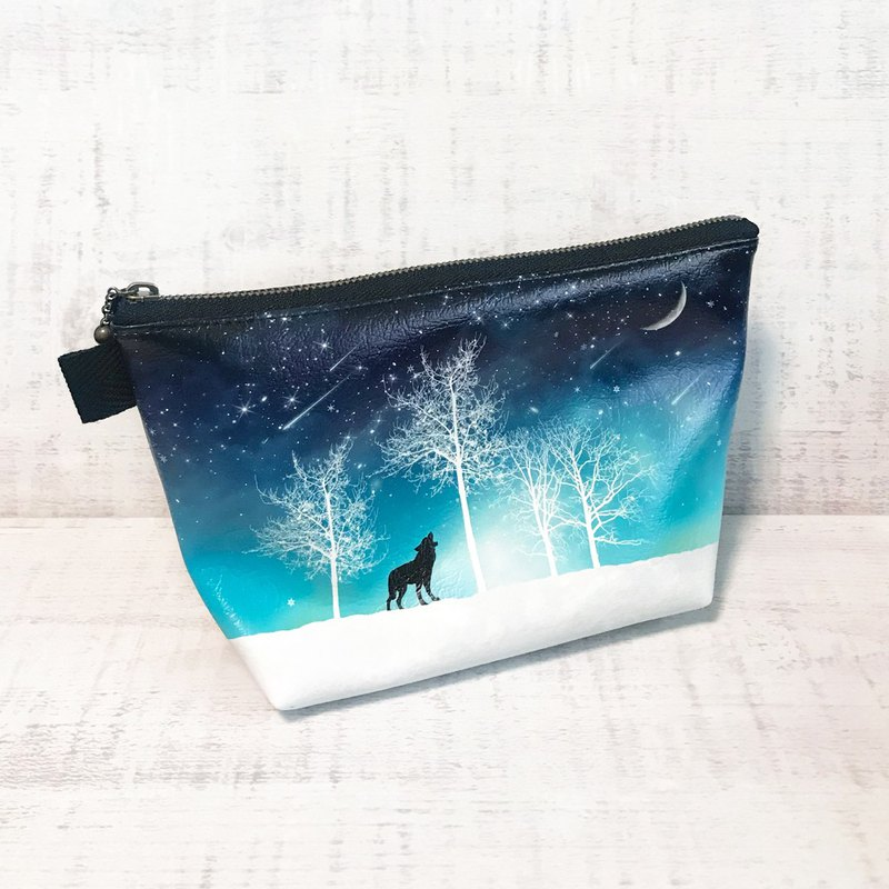 Pouch Winter starry sky Wolf / Cosmetic pouch / galaxy / Starry sky / snow