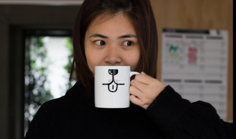 Little love to see the magazine Wang Xing mug