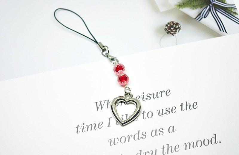 <Cute little charm series> - string string heart - #小小礼物# - can be changed into earphone plug -